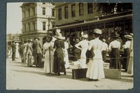 Boarding trolley car, Isle of Safety, State Street, Hartford