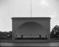 Band shell with American flags, Colt Park, Hartford (1921)
